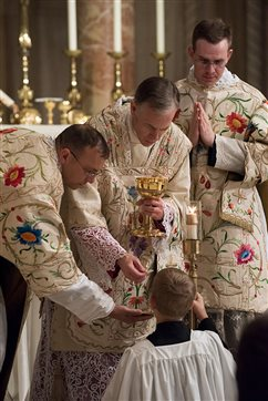 Archbishop Sample celebrates Latin Mass in nation's capital